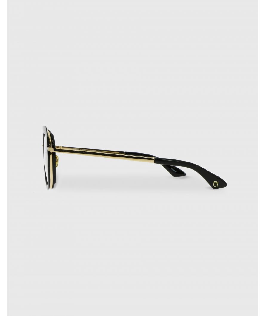 Square sunglasses in acetate and titanium